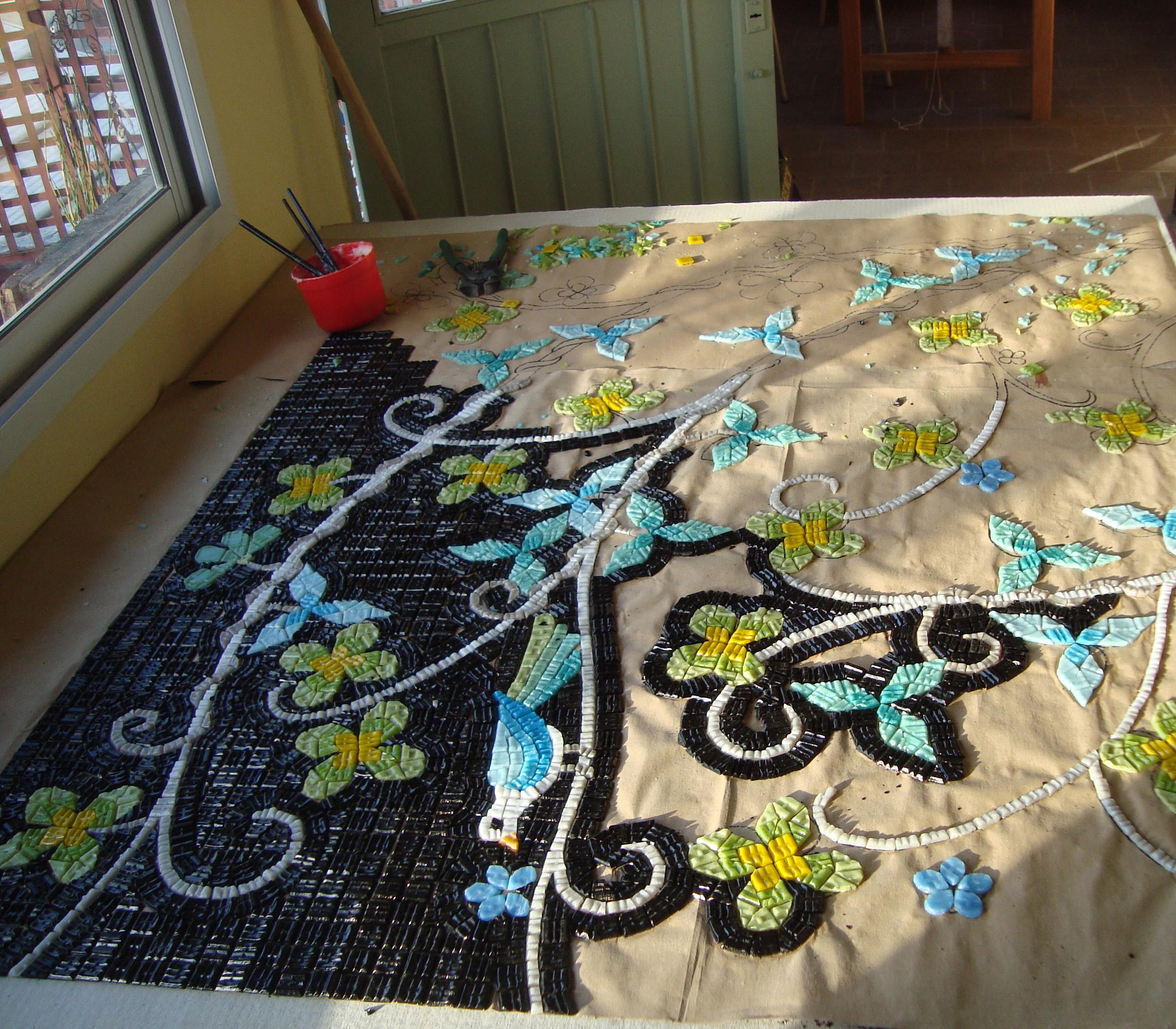 Paredes con venecitas mosaico veneciano for Disenos para mosaicos